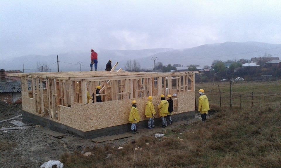 Habitat for Humanity România vrea să finalizeze casa până de Crăciun