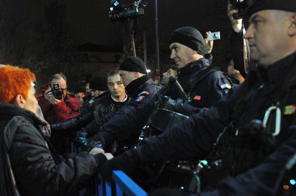 alegeri-prezidentiale-2014-protest-bucuresti-24