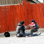 Tată alcoolic și fiul său Foto Imgur