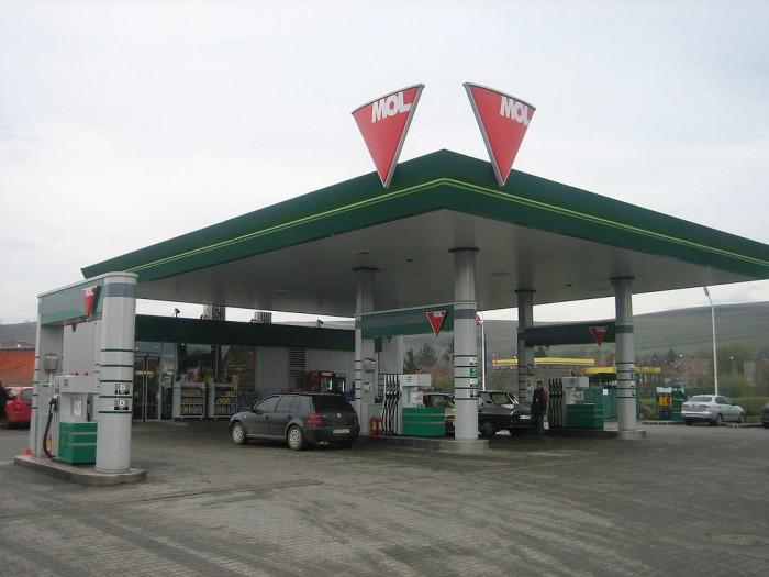 litrul de benzină