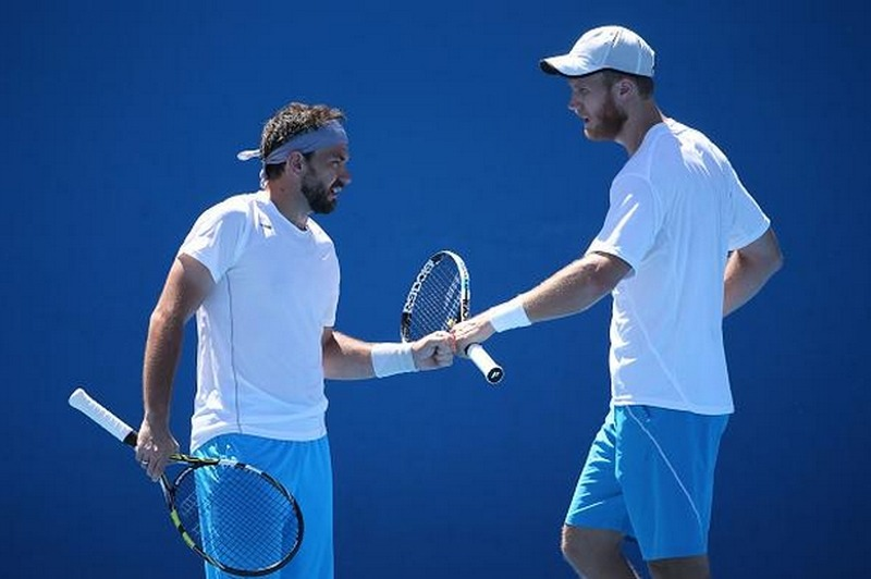 Florin Mergea (stânga) și Dominic Inglot au produs șocul zilei la Australian Open (ausopen.com)