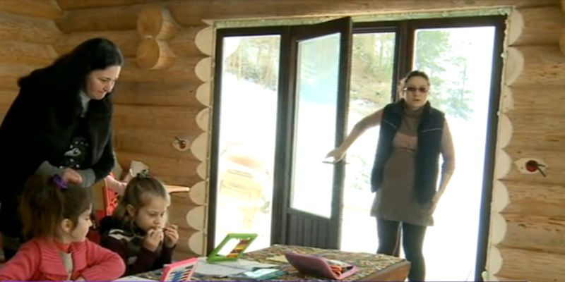 scoala de lemn din dirmoxa