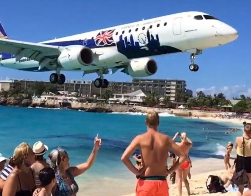 plaja maho paravion insolvență