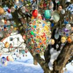 Most-beautiful-Easter-tree.-Decorated-with-1000-eggs.-3__880