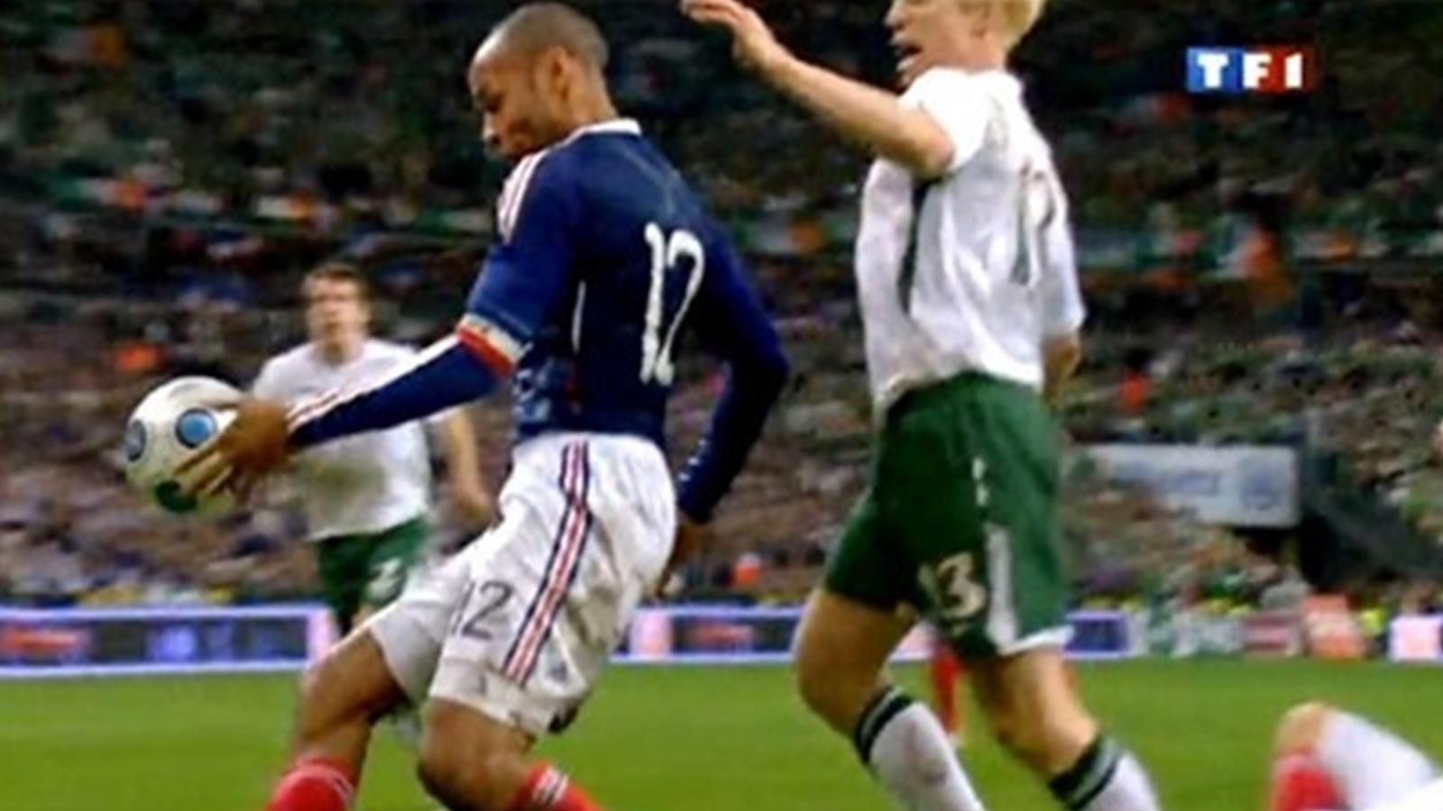 Celebrul henț făcut de Thierry Henry în barajul pentru Cupa Mondială din 2010