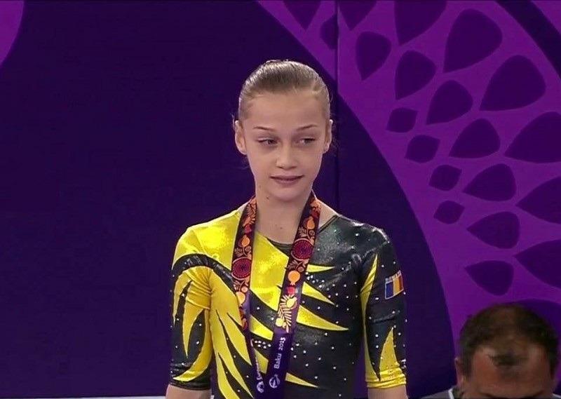 Micuța Andreea Iridon se întoarce din Azerbaidjan cu două medalii (youtube.com)
