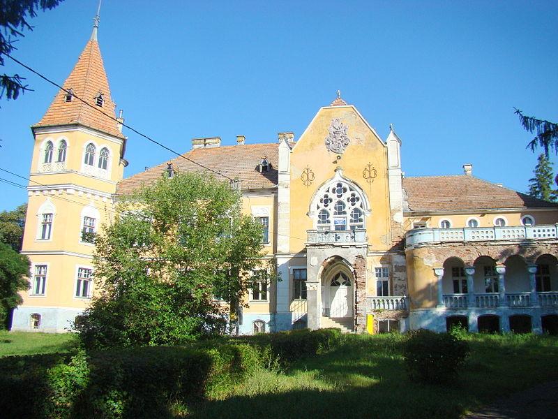 Castelul-calendar din județul Mureș este o bijuterie arhitectonică părăsită (wikimedia.org)