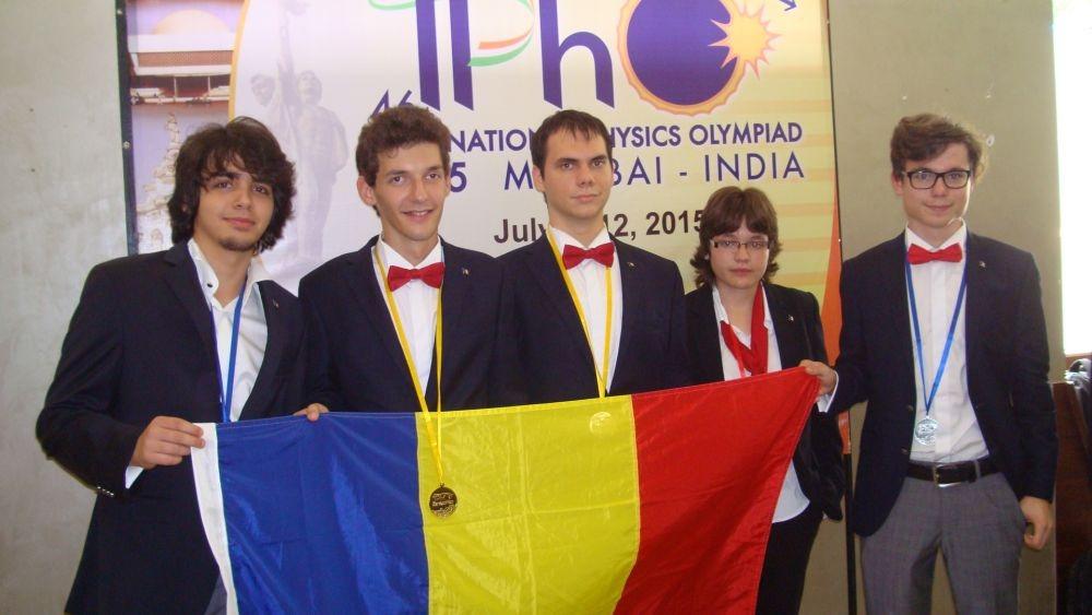 Echipa României la Olimpiada Internațională de Fizică. Foto: edu.ro
