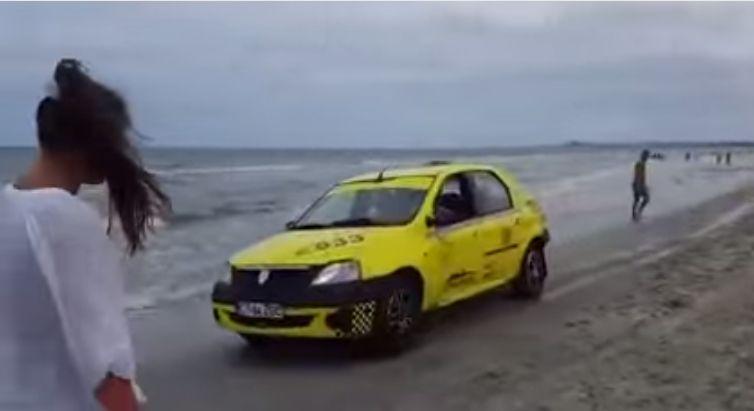taximetrist pe plajă