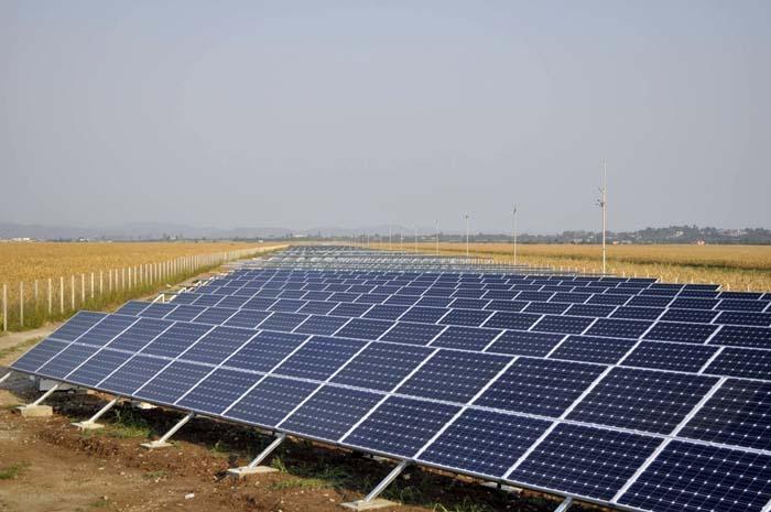 Parcul solar de lângă comuna bihoreană Borș a fost ridicat cu bani europeni (ebihoreanul.ro)