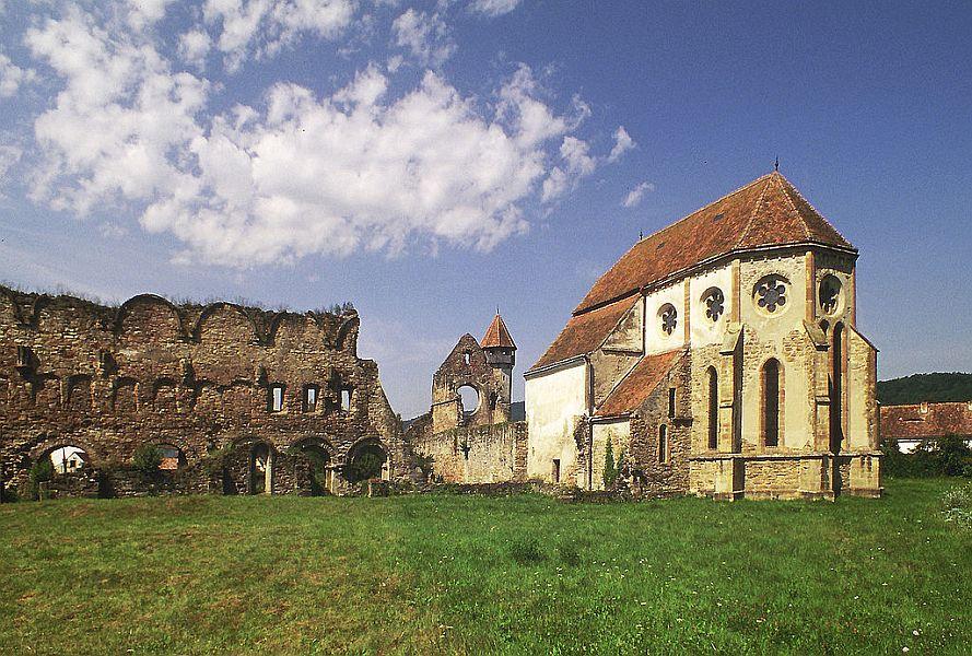 Biserica fortificată din Cârţa FOTO: Wikimedia Commons/Otto Schemmel