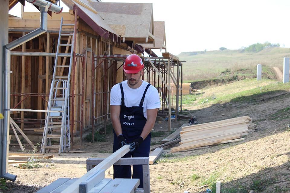 Locuri de muncă pentru români în construcții (Facebook - Habitat for Humanity)