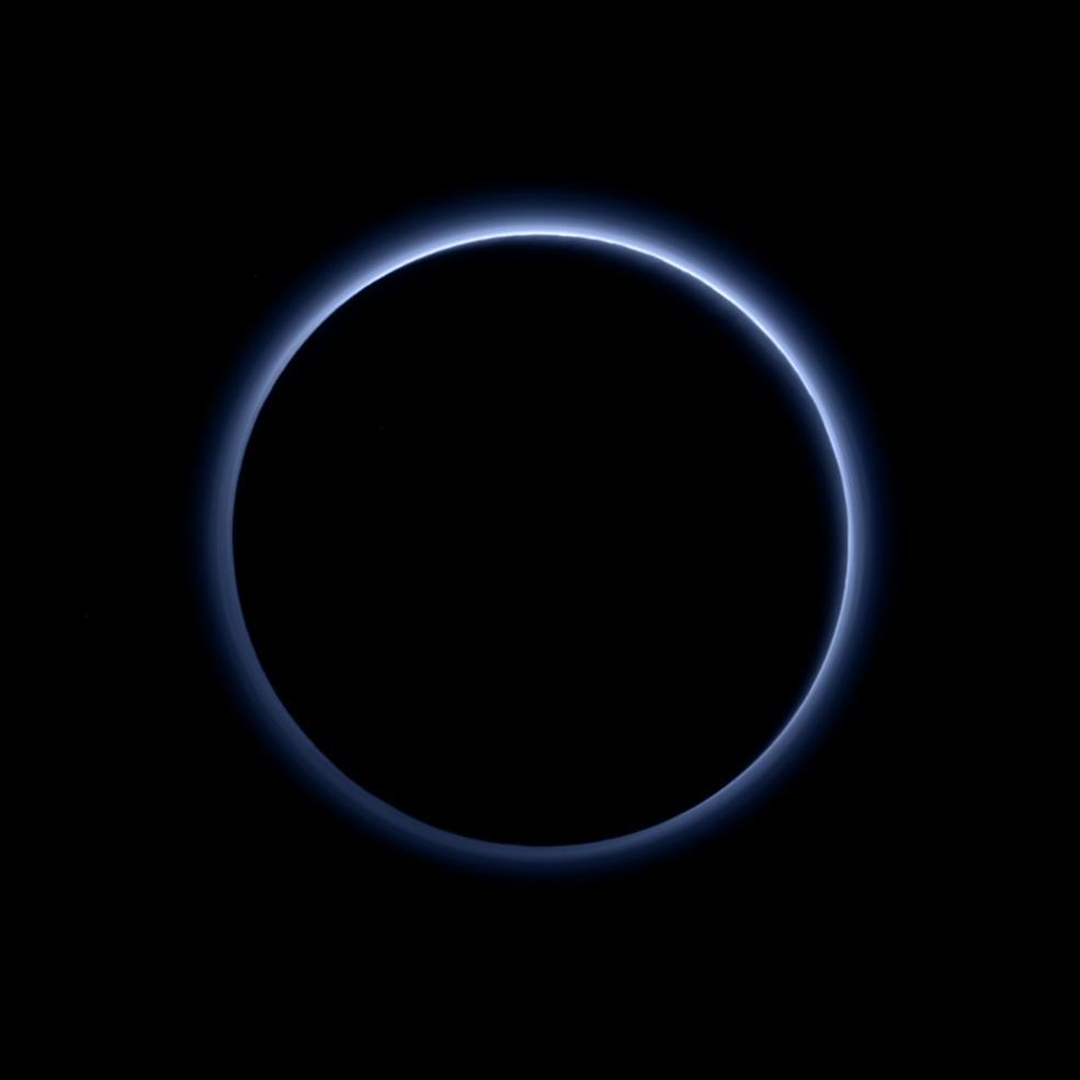 Cerul albastru de pe Pluto (nasa.gov / New Horizons)
