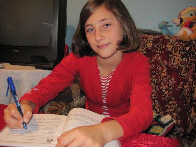 Raluca, o elevă de nota zece (adevărul.ro)