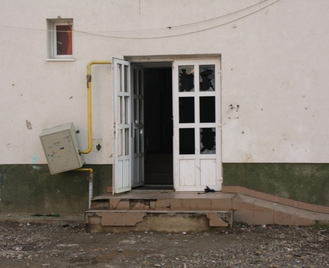 Aşa arată o scară de bloc din cartierul bistriţean Viişoara (adevărul.ro)