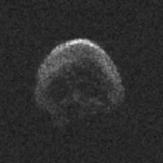 Așa arată cometa stinsă care a trecut aseară pe lângă Pământ (NAIC-Arecibo/NSF)