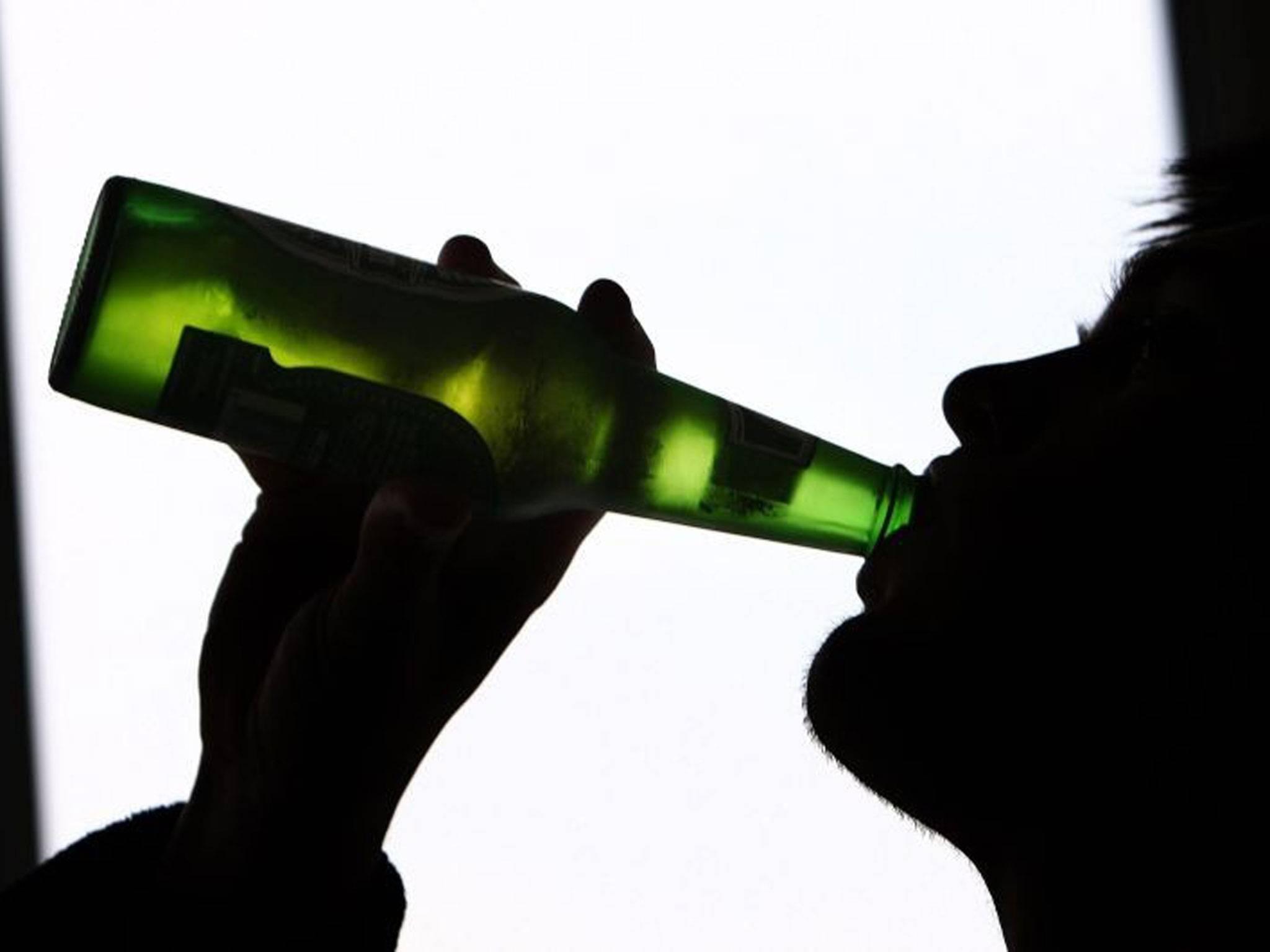 Românilor le place mult băutura (Wikimedia Commons)