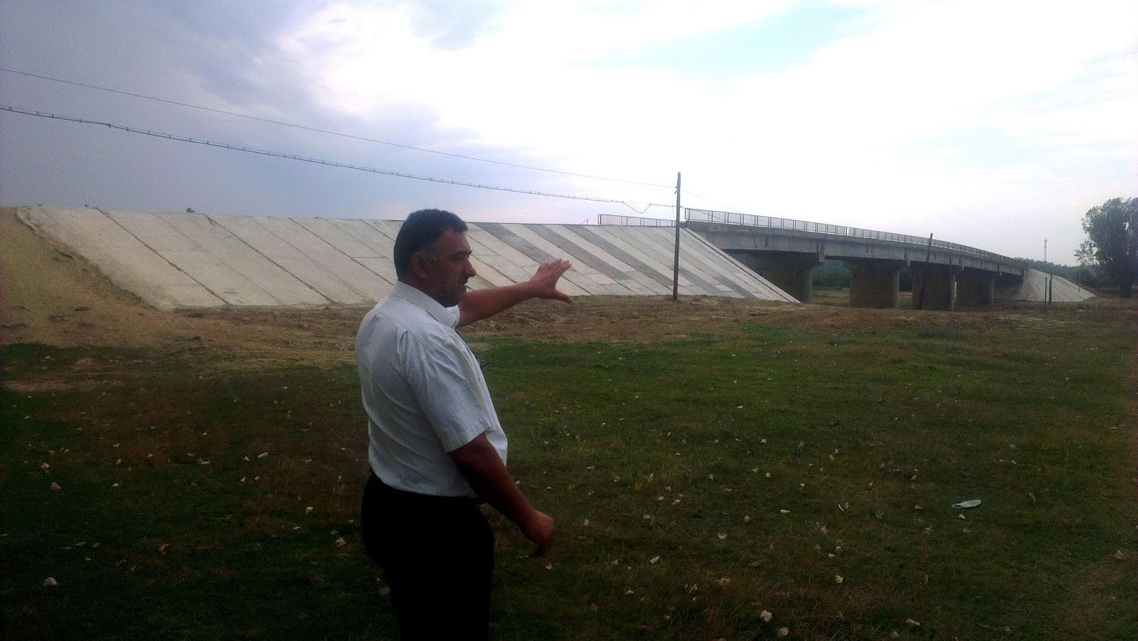 Primarul Cornel Mihu a consolidat un pod modern cu bucăți din istoria românilor (realitatea ialomițeană)