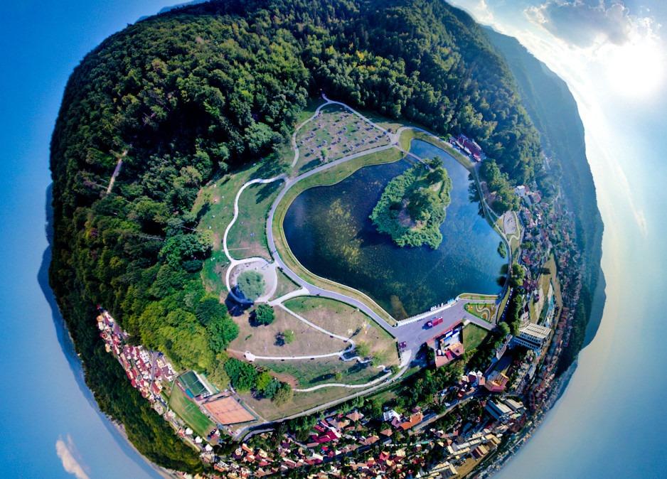 Lacul Noua, Brașov. Foto: thedon / Dronestagram