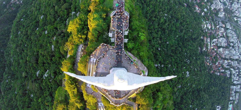 Statuia lui Iisus din Rio de Janeiro, Brazilia. Foto: Alexandre Salem / Dronestagram