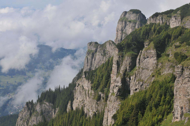 munții ceahlău ora pământului 2017