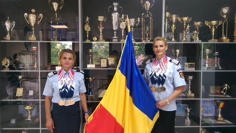 Adriana Paraschiv și Daniela Soare de la ISU Banat au câștigat pentru România aurul la canotaj-sală şi la atletism (Foto: gazetadinvest.ro)