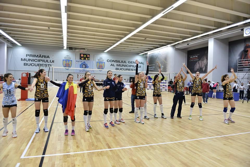 Fetele de la CSM București au câștigat Challenge Cup la volei (Facebook CSM București)