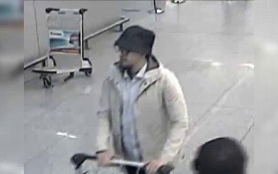 """Mohamed Abrini a recunoscut că el este """"bărbatul cu pălărie"""""""