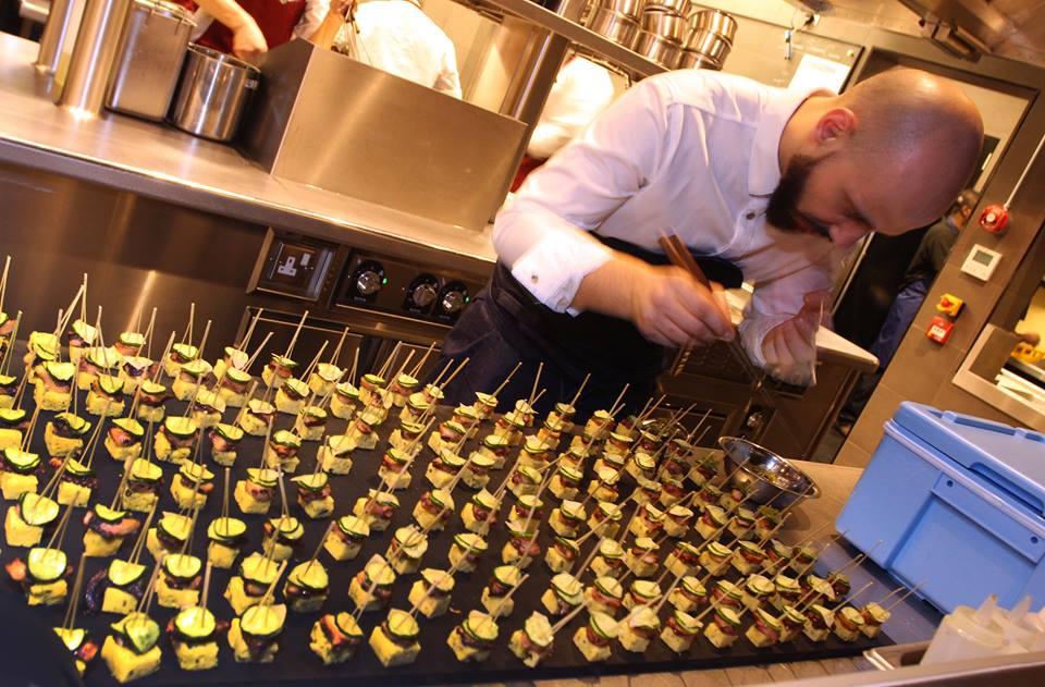 Alex Crăciun a muncit un an în Japonia înainte să conducă restaurantul Sosharu din Londra (Facebook)