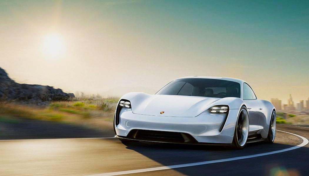 Porsche e unul dintre constructorii de mașini care au prezentat cel puțin un automobil electric FOTO: Porsche
