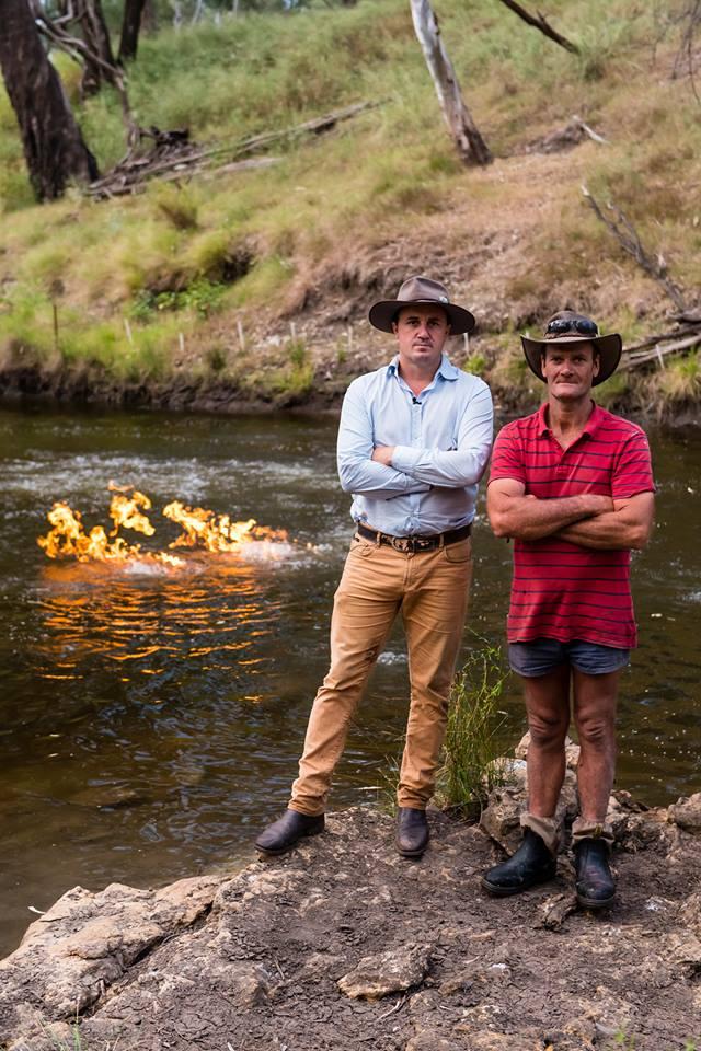 râul care arde