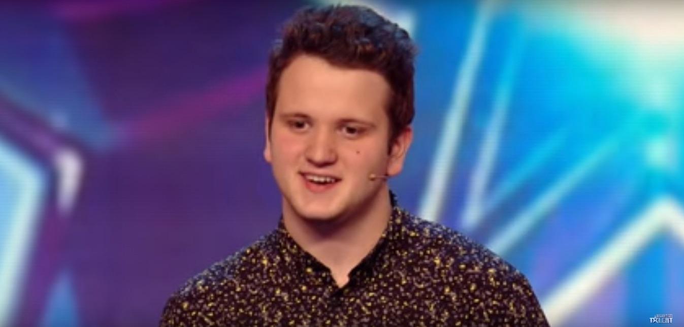 Flavian Glonț a rezolvat trei cuburi Rubik legat la ochi (Britain's Got Talent)