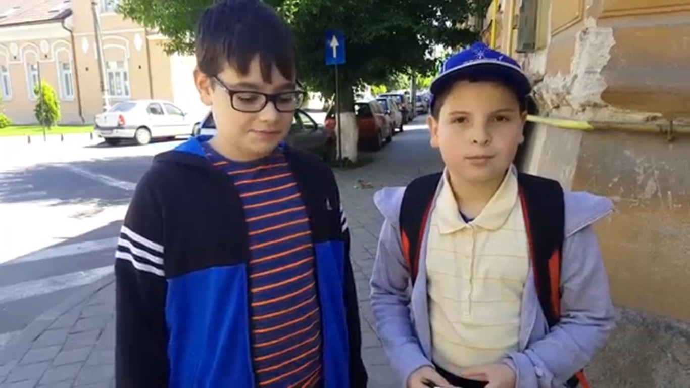 Paul și Dragoș, doi băieți cinstiți (Adevărul)