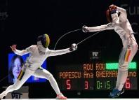 Simona Gherman a câștigat duelul cu Ana Maria Popescu la Torun, în Polonia. Foto: Augusto Bizzi, International Fencing Federation