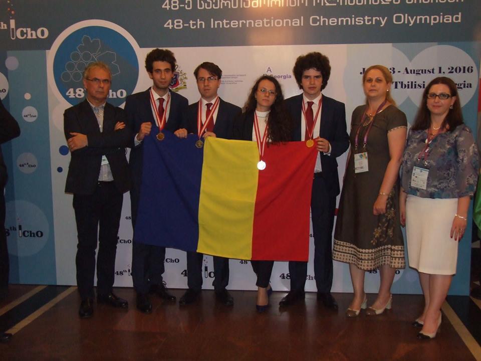 Elevii români au obținut rezultate extraordinare la Olimpiada Internațională de Chimie (Daniela Bogdan - Facebook)