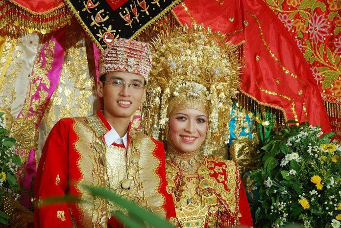 nuntă Minangkabau indonezia