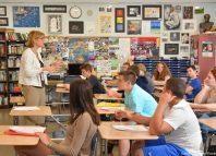 Elevii din România pot studia gratuit alături de liceenii americani (eduinmd.com)