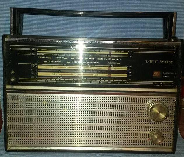 aparat de radio sovietic