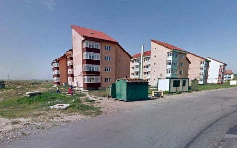 Cartierul Dimitrie Cantemir este, de fapt, un ghetou aflat pe malul Siretului (FOTO C Crângan / Adevărul)