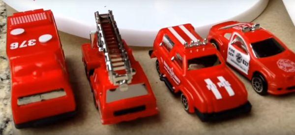 Mașinuțe de pompieri moș crăciun