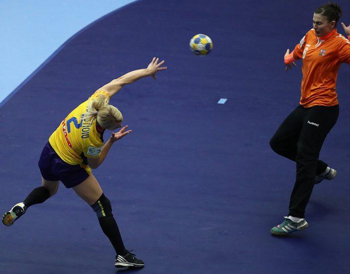 Aneta Udriștoiu a făcut un meci excelent împotriva Cehiei (Foto: Marius Ionescu / swe2016.ehf-euro.com)