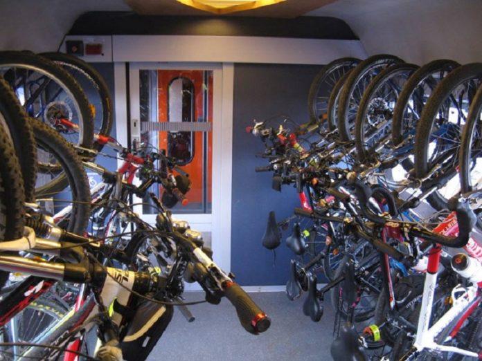CFR va introduce vagoane speciale pentru bicicliști și schiori (CFR Călători)