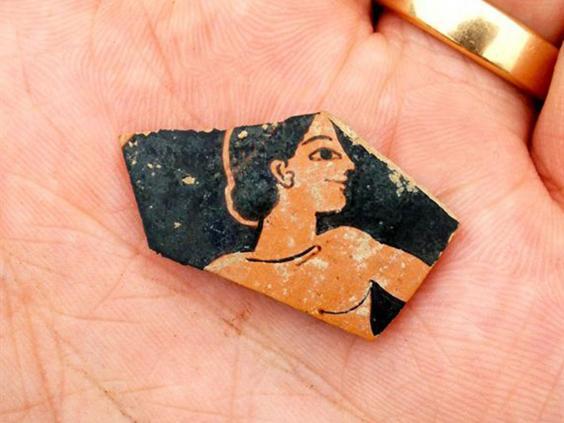 Ceramică descoperită în misterioasele ruine din Tesalia (Foto: SIA/EFAK/YPPOA)