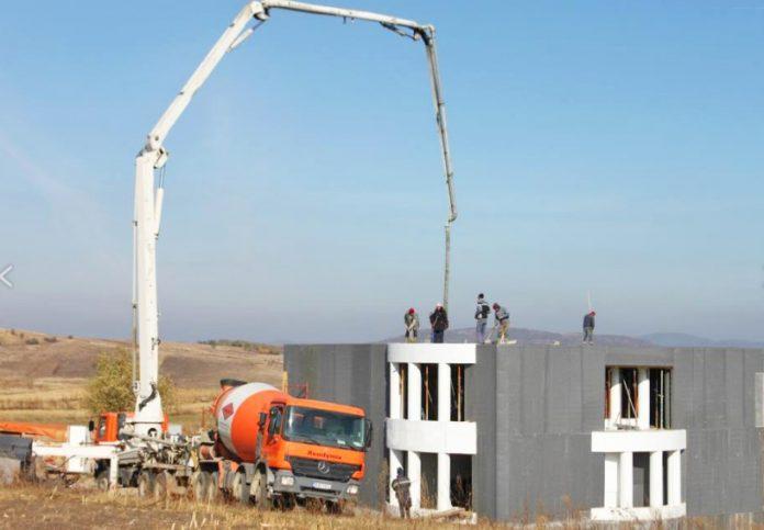 Așa arată o casă construită cu ajutorul sistemului inventat de românul Mathe Laszlo (http://thermodul.com/)