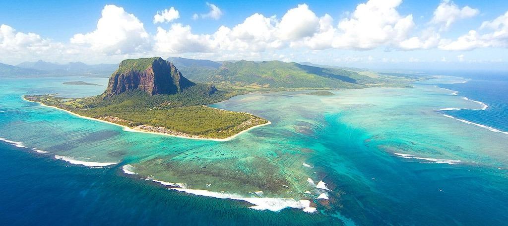 Așa arată insula Mauritius. În jurul ei se află un uriaș continent scufundat (Wikimedia Commons)