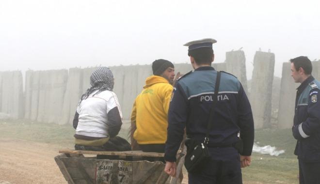 Cetățenii din Cumpăna, alături de polițiști, au ieșit în căutarea hoților (Foto: cugetliber.ro)