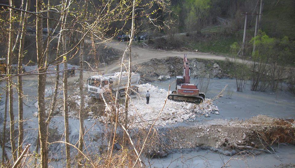 poluare apuseni valea șesii