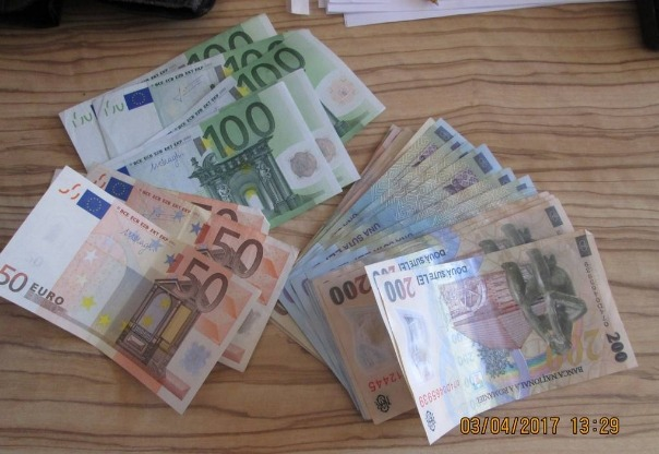 portofel bani arad