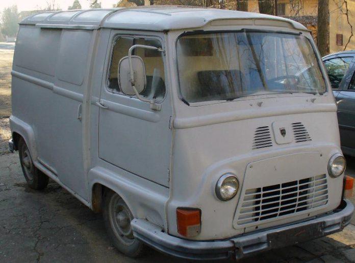 FOTO Dacia D6:Adrian/Daciaclub.ro/Wikimedia Commons