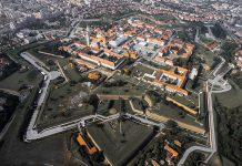 Alba Iulia va fi primul oraș inteligent din România Foto: Kiki Vasilescu (Wikimedia Commons)
